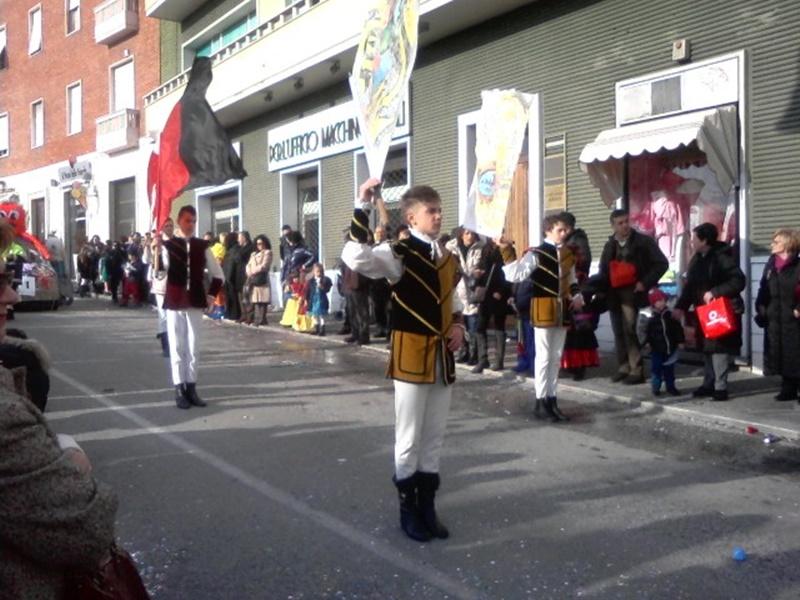Giovedì Grasso - immagine degli sbandieratori