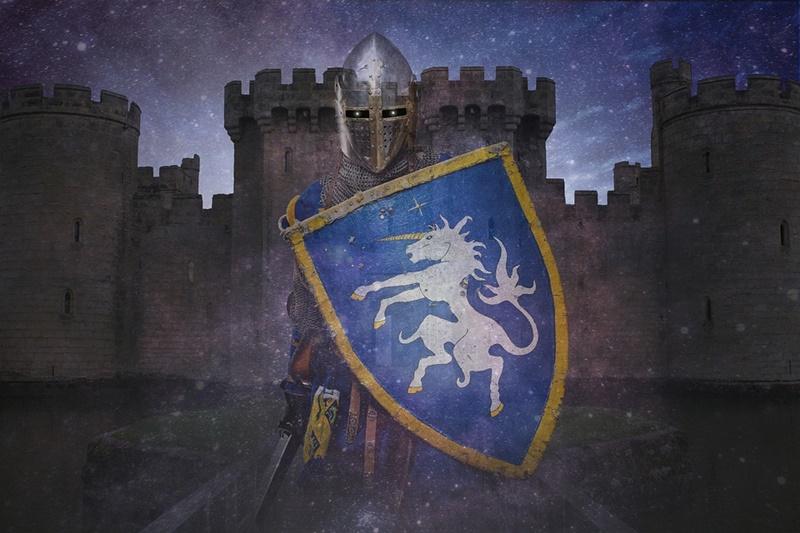 I Misteri Di Fumone - cavaliere davanti al castello
