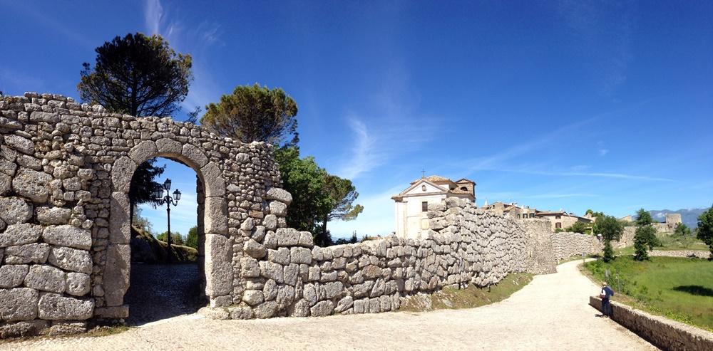 civita vecchia di Arpino - Mura Poligonali Dell'acropoli