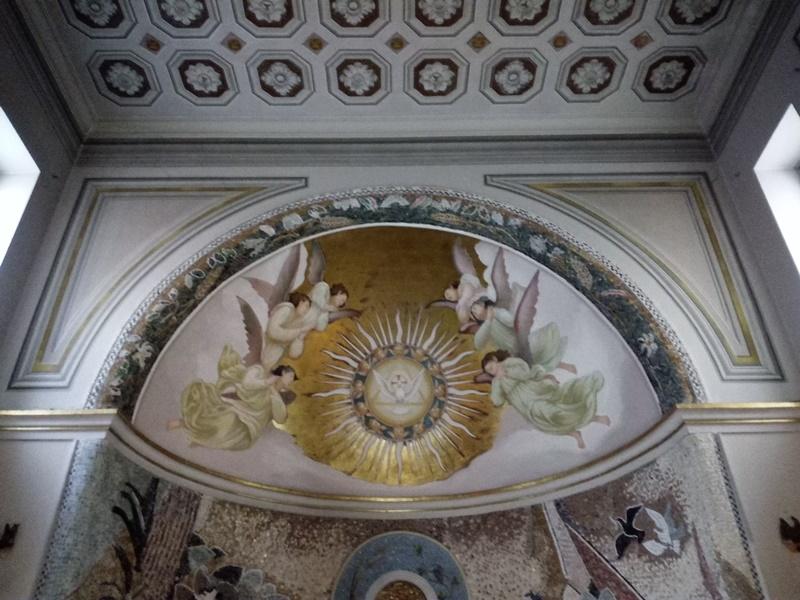 Rione Giardino- dettaglio della chiesa di Santa Elisabetta