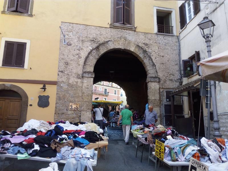 Rione Giardino- mercatino settimanale