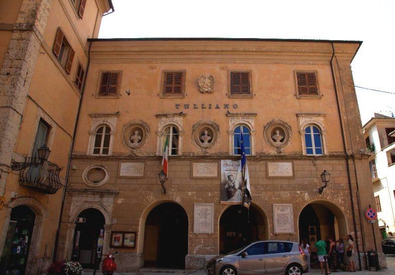 Giustiniano Nicolucci - scuola frequentata da Nicolucci