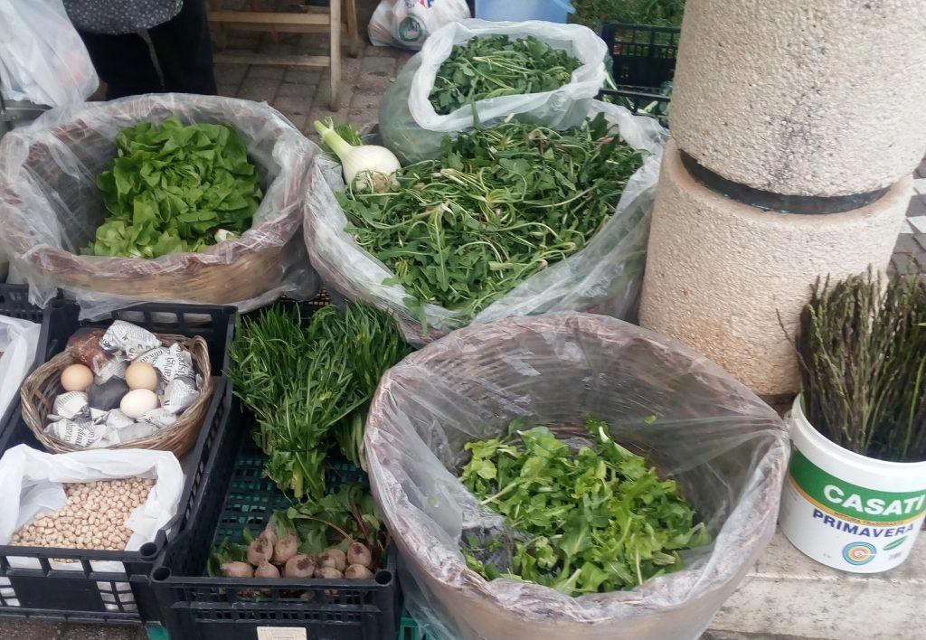 la cicoria - Cicoria esposta al mercato