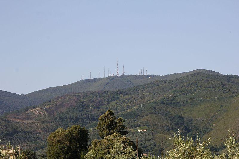 monte serra alto - Montagna Serra in lontananza