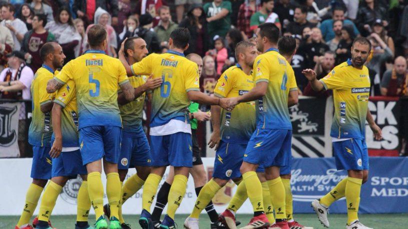 Camillo Ciano - la squadra del Frosinone in campo