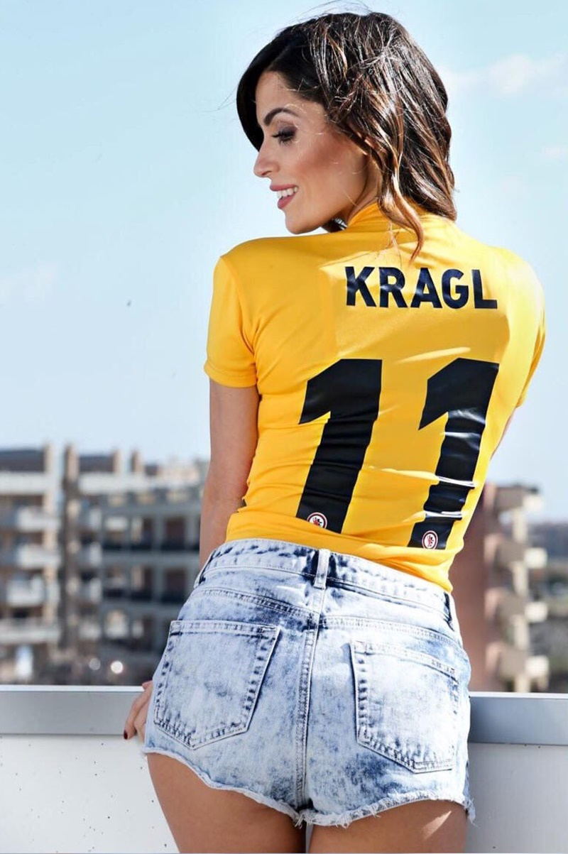 Alessia Macari - Macari con la maglietta del marito