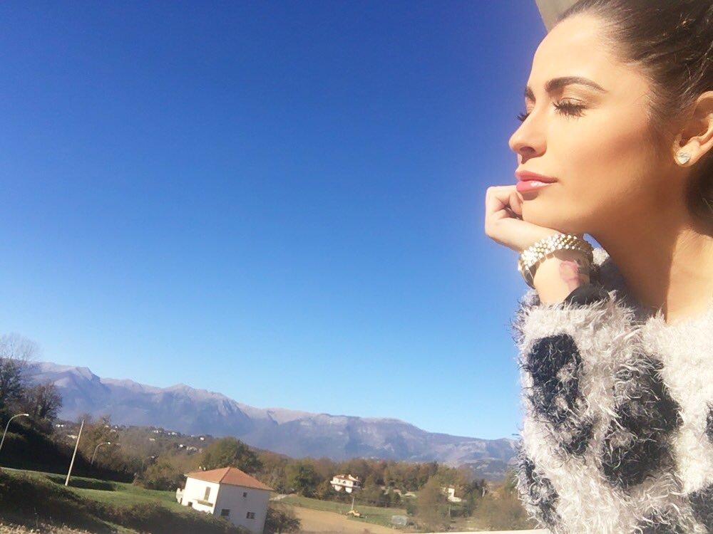 Alessia Macari - Panorama