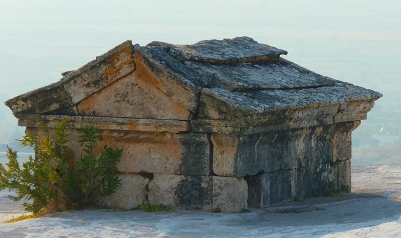 la tomba sant'Angelo - Tomba antica