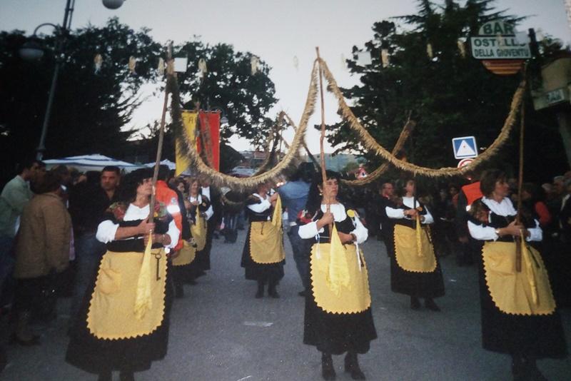 San Gerardo - immagine della processione nel paese in cui il santo visse