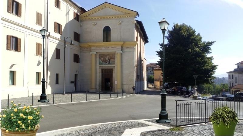 San Gerardo - la piazzetta antistante