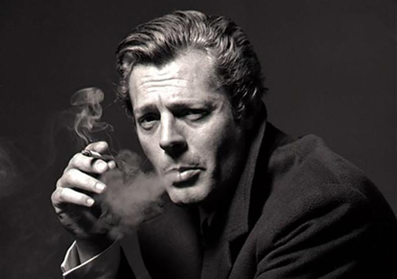 Marcello Mastroianni - fumo
