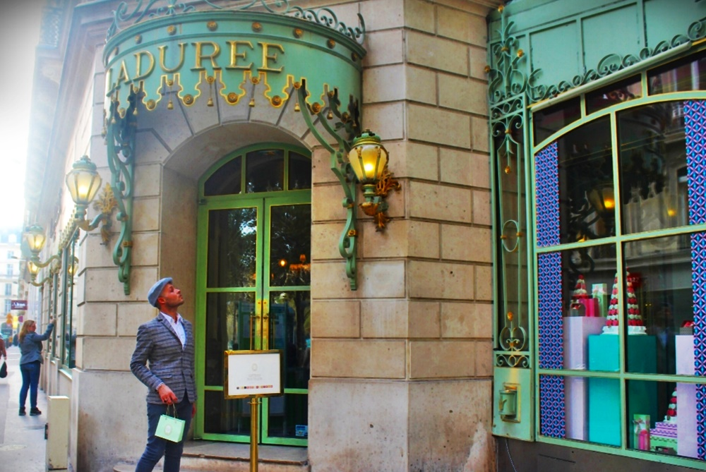 Lemma a Parigi - Lemma davanti un negozio