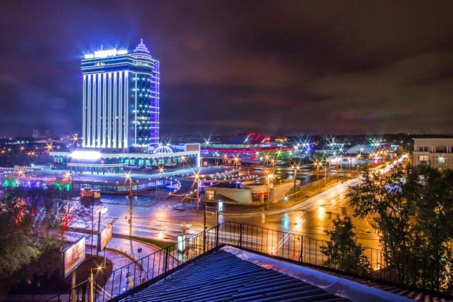luigi poddi - la città vista di notte