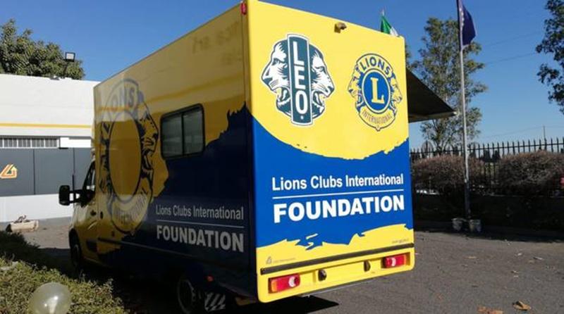 lions club - Camion con aiuti umanitari