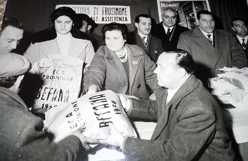 ECA di Frosinone - una consegna dei pacchi eca