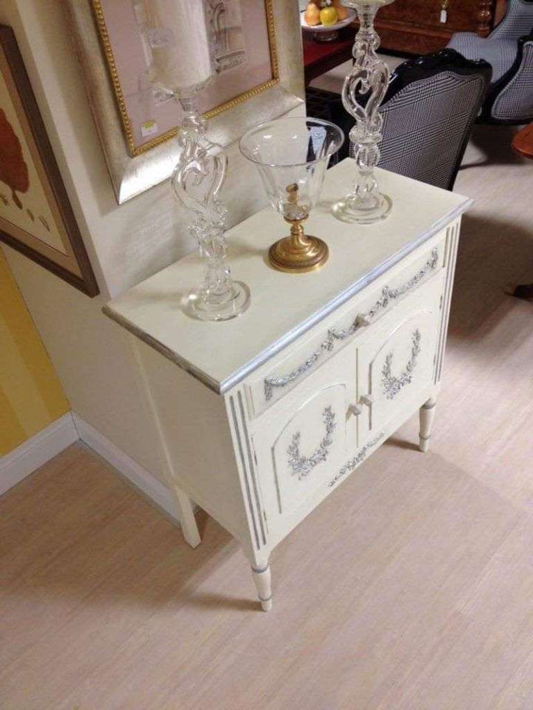 shabby Chic - Mobile Bianco ridipinto