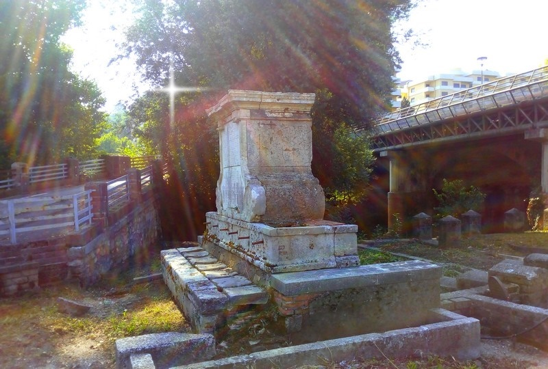 Restauro della Fontana Bussi - Fontana Bussi ripulita
