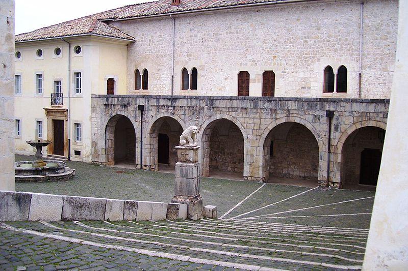 La certosa di Trisulti - Piazzetta antica della certosa