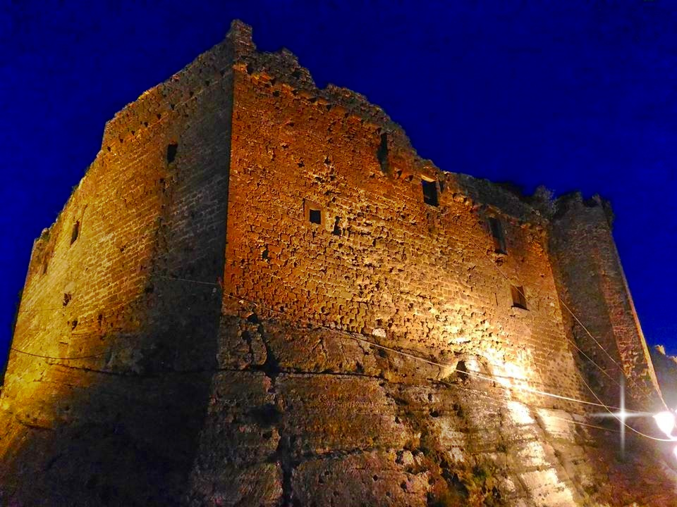 Arnara - le mura del castello