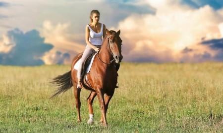 Altipiani di Arcinazzo - Ragazza A Cavallo sugli altipiani di Arcinazzo