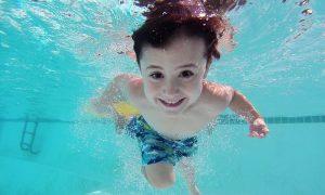 Piscina ex Enal in arrivo - Bimbo Che Nuota in piscina