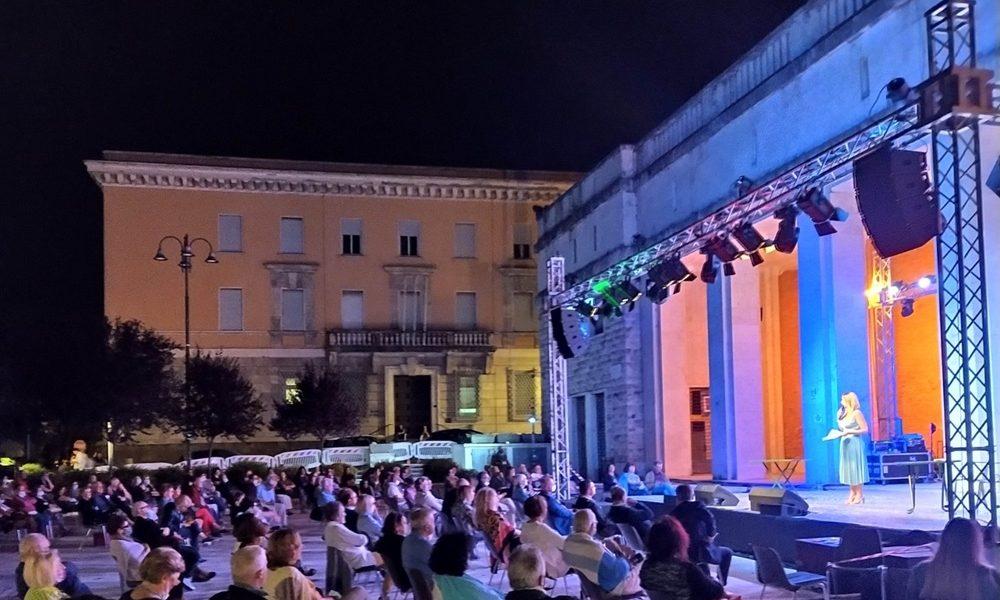 Teatro musica e cabaret tra le porte - Teatro Musica E Cabaret in una serata