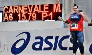 tabellone - Martina Carnevale davanti al tabellone