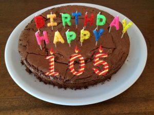 compie 105 anni - torta per Gerardo