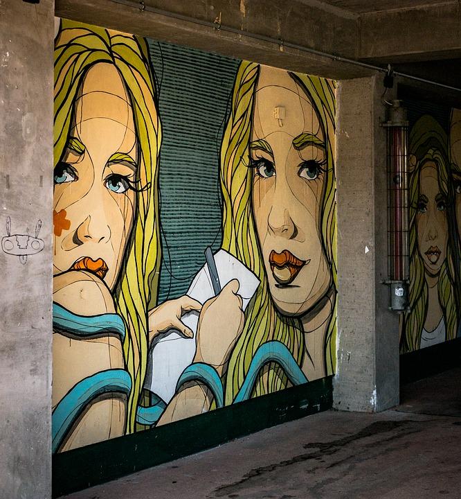 Frosinone città delle arti - Murales di giovane bionda