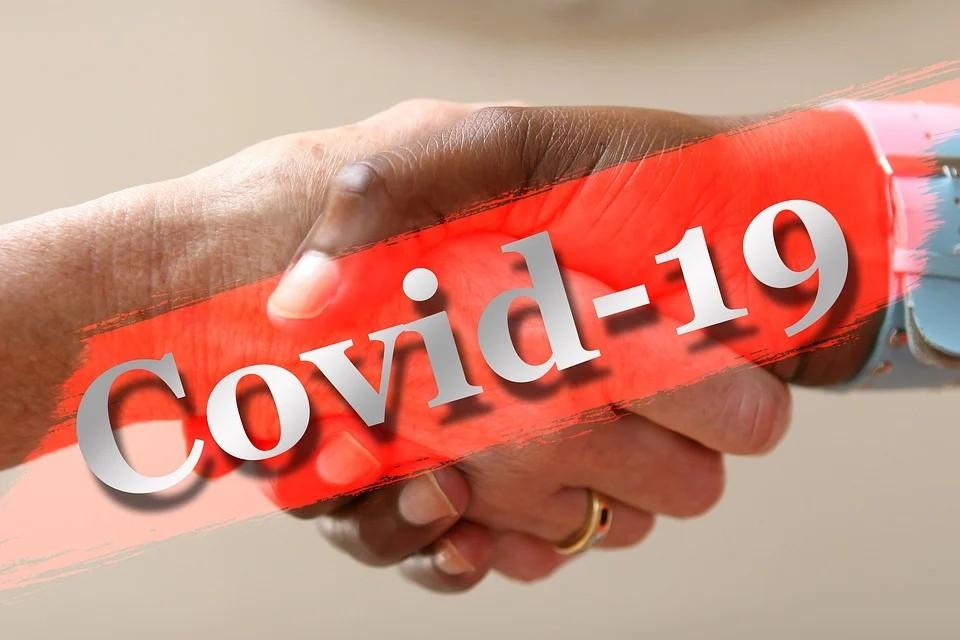 Il sindaco Ottaviani - Coronavirus e mani che si legano
