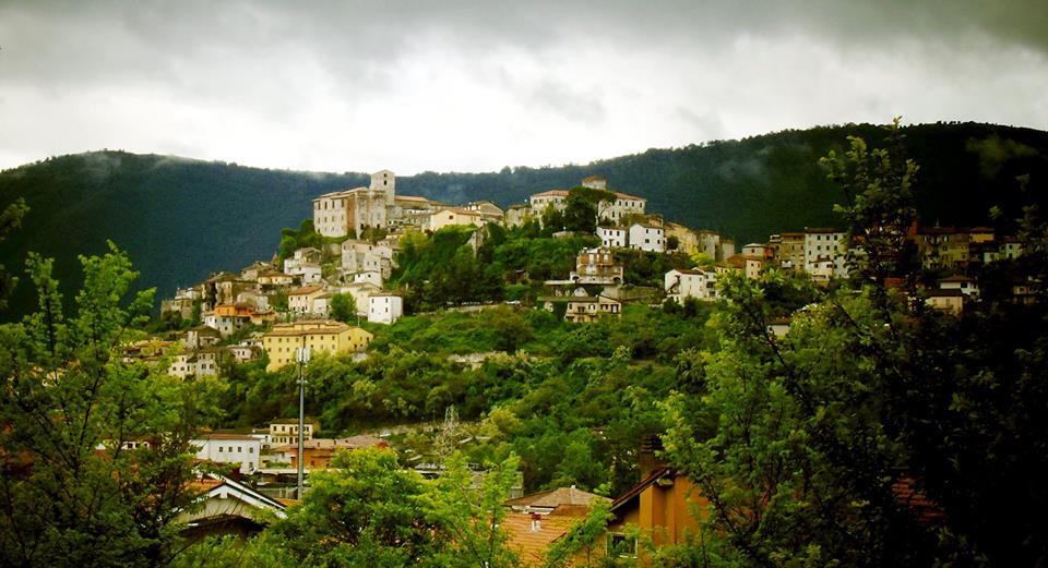 Il castello di Ceccano - Castello Di Ceccano visto da lontano