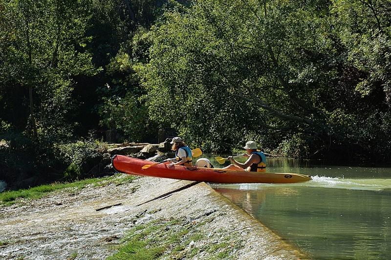 Canoa in Ciociaria - Due Uomini In Canoa sul dislivello