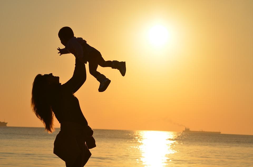 Costruire la felicità - Felicità con una madre e figlio