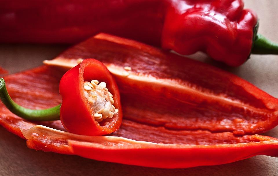 Il peperone cornetto  - Peperoni Aperti Con Semi a vista