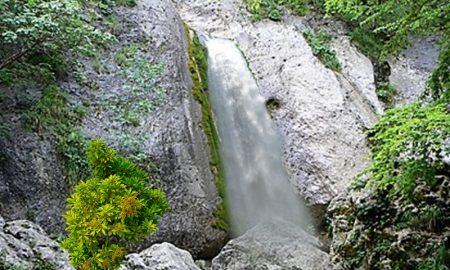 La cascata dello Schioppaturo - Cascata Dello Schioppaturo in piena