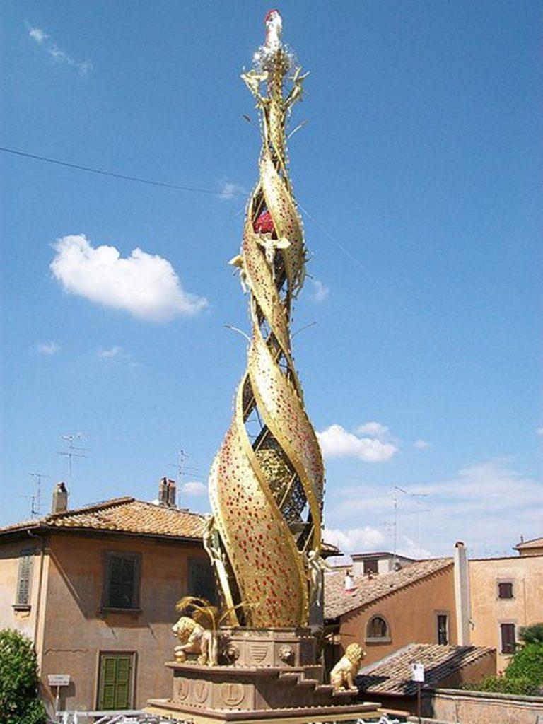 Il reliquiario dei patroni di Frosinone - Macchina Di Santa Rosa esposta