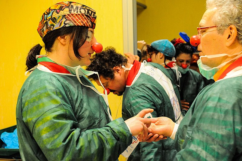 Clown terapia a Frosinone - Dottori Con Naso Rosso e il camice