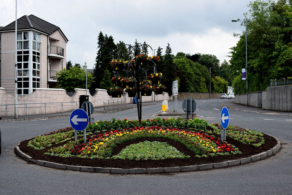 Rotatorie artistiche - Rotonda con fiori