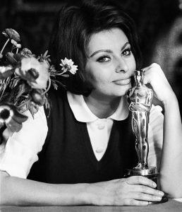 Frosinone ricorda le Marocchinate - Sofia Loren con il suo oscar