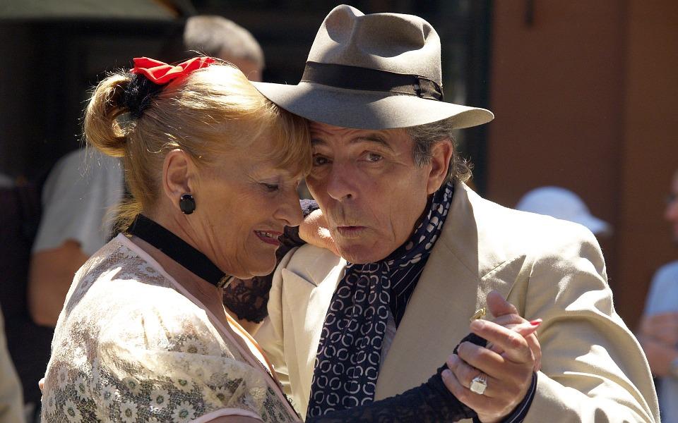 Progetto Solidiamo - Anziani Che Ballano il tango