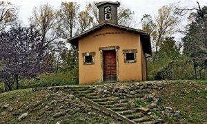 La madonna della quercia - Chiesa Completa da lontano