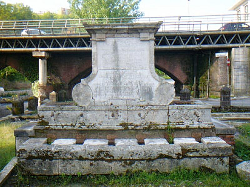 Restauro fontana Bussi - Fontana Bussi il monumento più antico della città