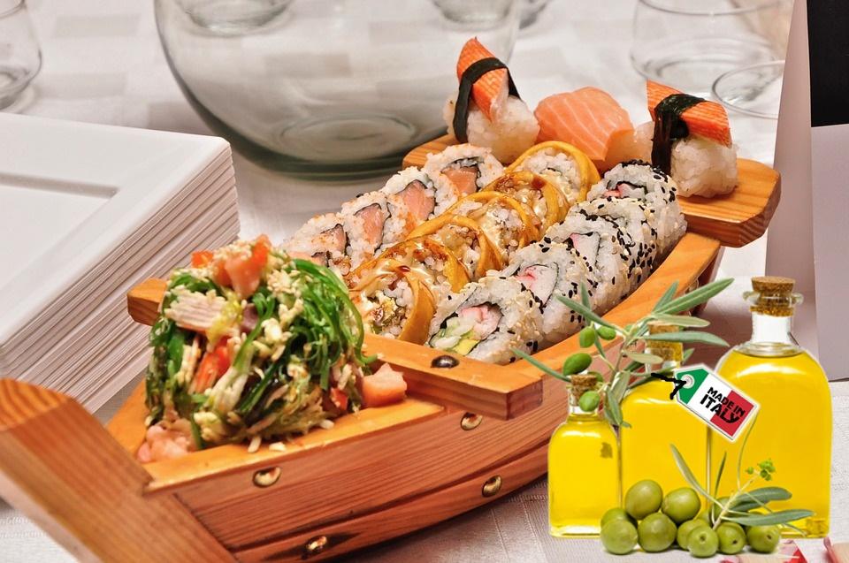 Miglior olio italiano - Olio Con Caravella e cibo giapponese