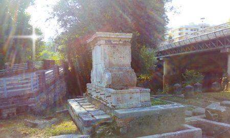 Restauro fontana Bussi - reperto laterale in Via Ponte la fontana