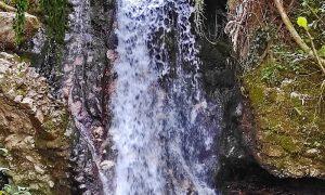 Fonte Foto Contrada Vallone - foto della cascata nel percorso trekking
