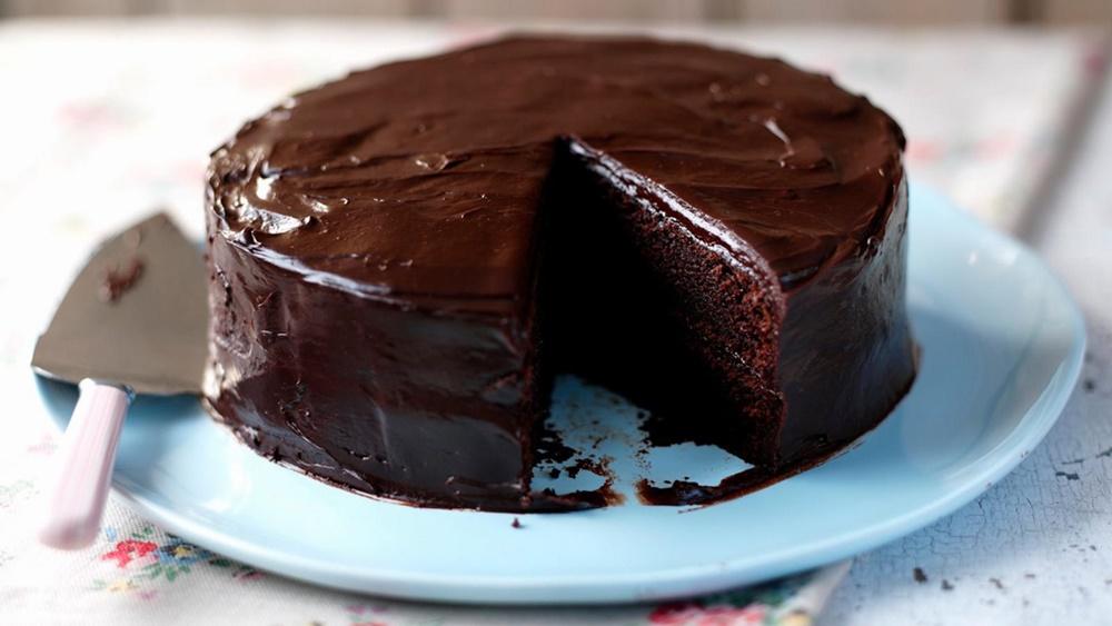 Torta alla Nutella - torta al Cacao tagliata