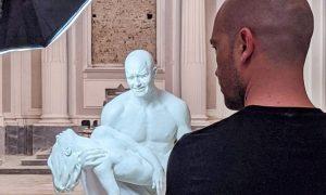 Jago nato per essere scultore - La Pietà Di Jago esposta in chiesa