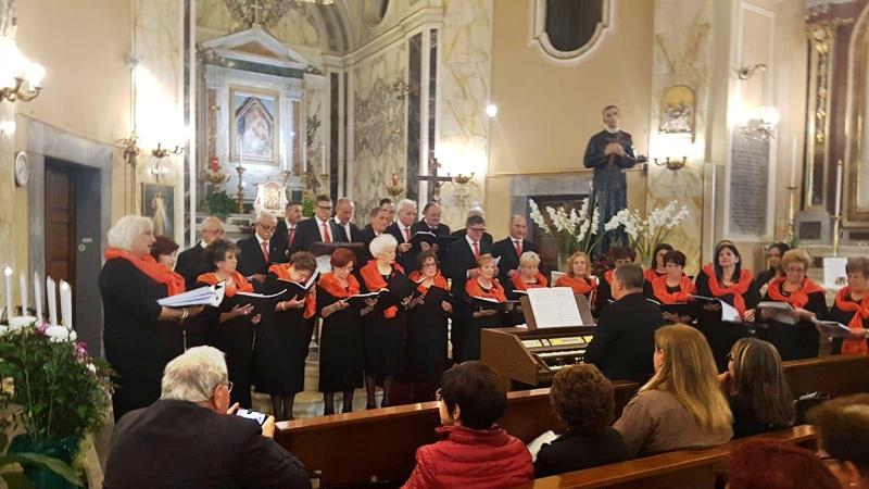 Il fazzoletto di San Gerardo - coro a Santa Maria delle Grazie