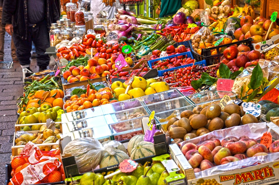 Aiuti per le famiglie - Frutta E Verdura al mercato