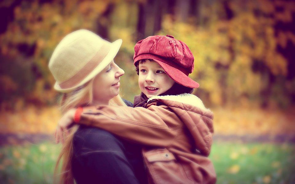 Appalto servizi alla persona - Bimbo con la baby sitter